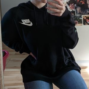 🌻 Nike Black and White Hoodie Sweatshirt 🌻
